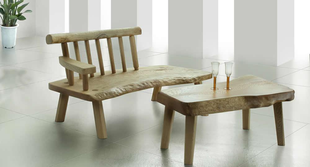 無垢桐のテーブルとベンチ